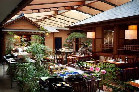 Enjoy unlimited dining at Japanese, Korean buffets