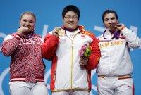 Gold medalist Zhou Lulu, center, of China