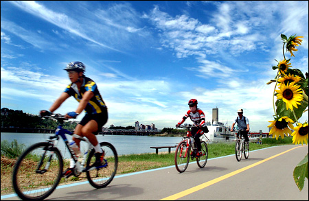 Going Road Diet for Bike Riding
