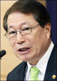 Diplomacy at Forefront to Realize Global Korea