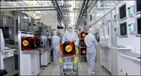 How Semiconductor Chips Are Built In Factory