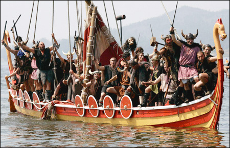 the popular beliefs and stereotypes of vikings throughout history Popular, modern conceptions of the vikings—the term frequently applied casually to their modern descendants and the inhabitants of modern scandinavia.