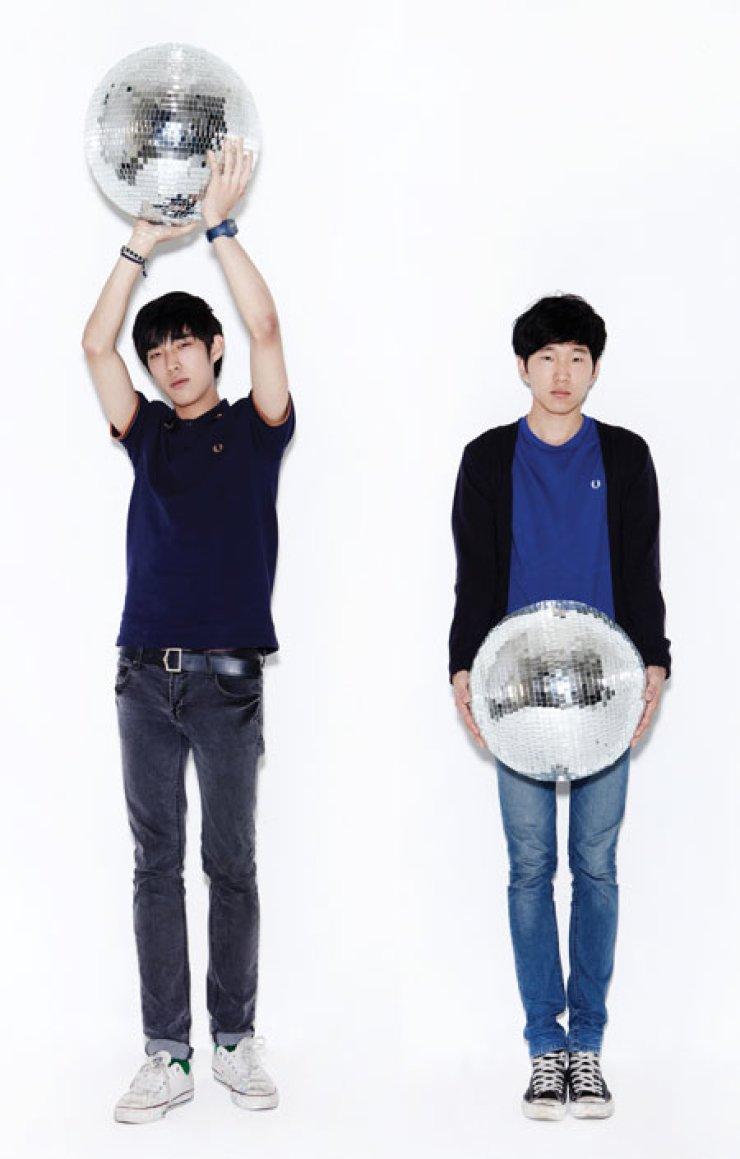 Kim Jun-one, left, and Kang Hyuk-jun of Glen Check                                                                      / Courtesy of Soundholic Entertainment