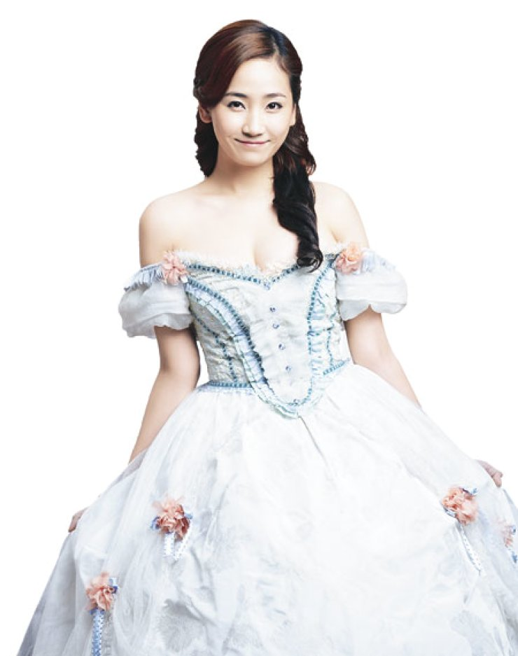 Yenny as Constance in 'The Three Musketeers'