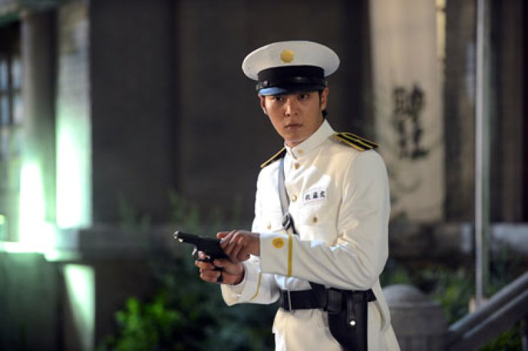 A scene from 'Gaksital' (Bridal Mask), a 2012 television drama, which is set during the Japanese colonial period in the 1930s. Courtesy of KBS
