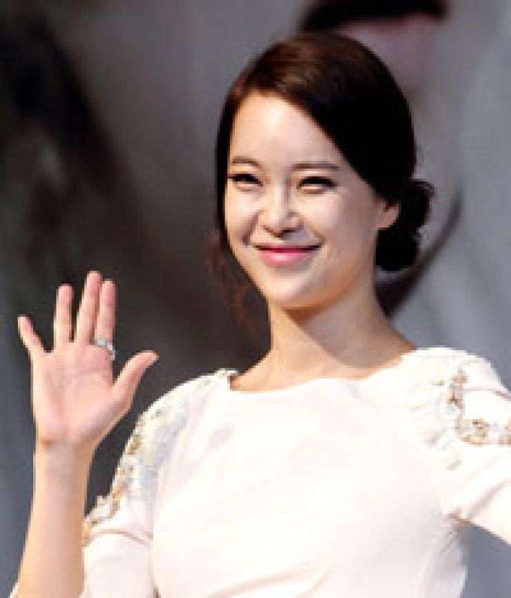 Singer Baek Ji-young