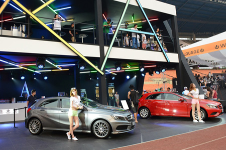 Mercedes chases younger drivers for Mercedes benz greenway staff