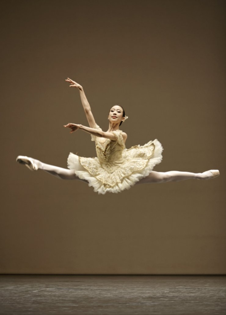Park Sae-eun is one of a handful of Asian dancers at the prestigious Paris Opera Ballet. / Courtesy of SebastienMathe