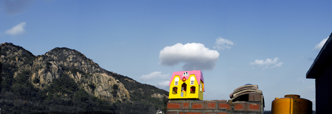 Kang Hong-goo's 'Mickey House - Cloud' (2005)
