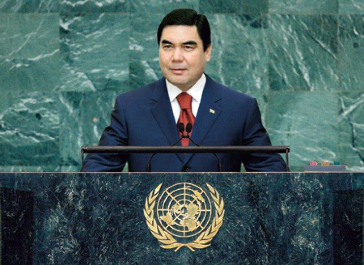 President Gurbanguly Berdimuhamedov addresses the world leaders at the UN General Assembly.