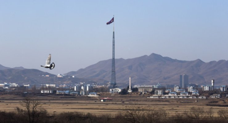 North Korean flagpole in the Gijeong-dong propaganda village in the North's section of the Demilitarized Zone. / Korea Times photos by Choi Won-suk