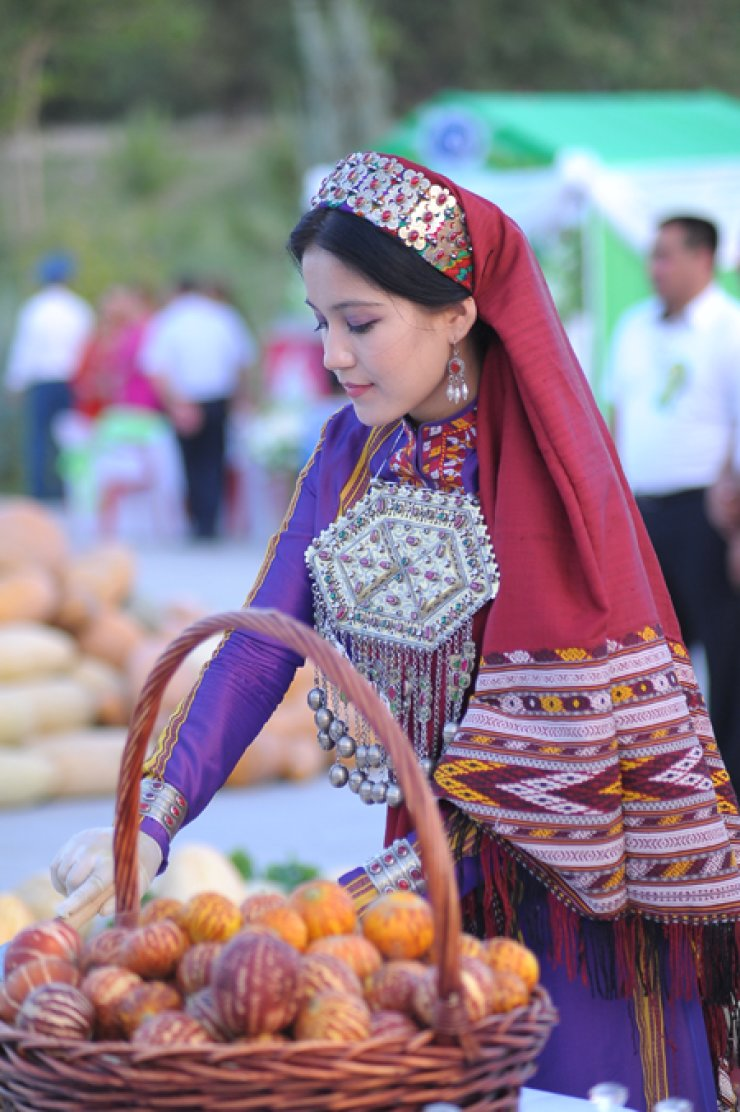 A Turkmen lady in traditional dress