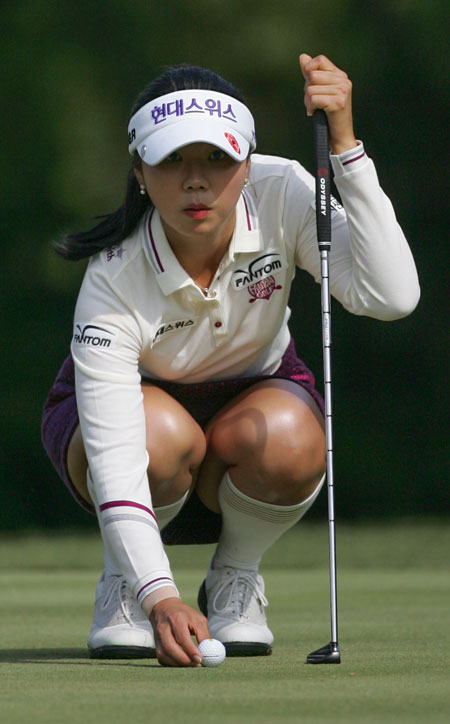 Kim Ha-neul is a front-runner in the KLPGA Tour's money list and Player of the Year race, albeit slight leads. / Korea Times file