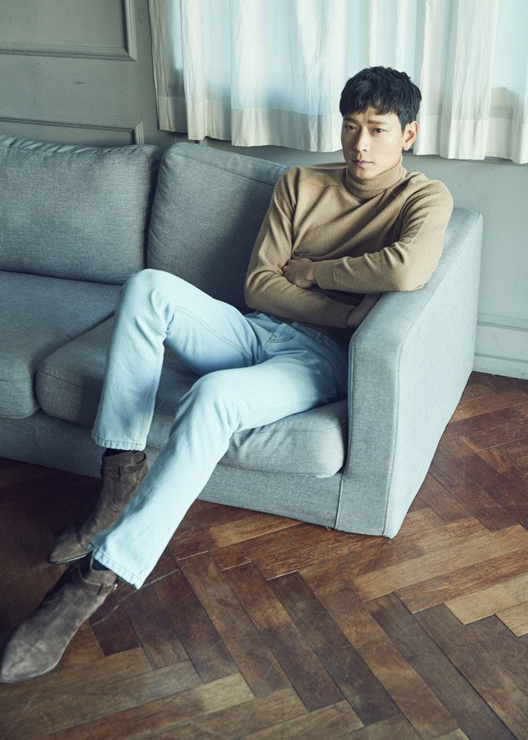 Actor Gang Dong-won poses prior to an interview with The Korea Times at a cafe in central Seoul, Wednesday. / Courtesy of YG Entertainment