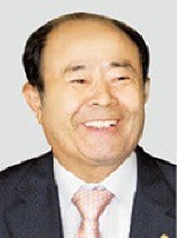 Jungheung Group Chairman Jung Chang-sunHerald Group Chairman Hong Jung-wook