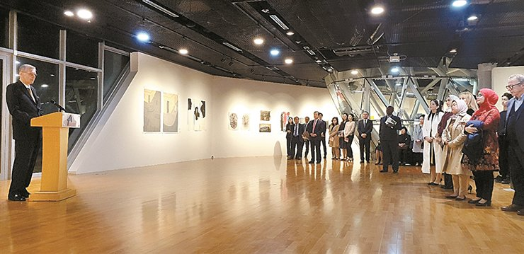 Serbian Ambassador to Korea Zoran Kazazovic speaks at the 'Imprinted in time' exhibition at the Art at the Asan Institute for Policy Studies (AAIPS) Gallery in Jongno-gu, downtown Seoul. / Korea Times photo by Yi Whan-woo