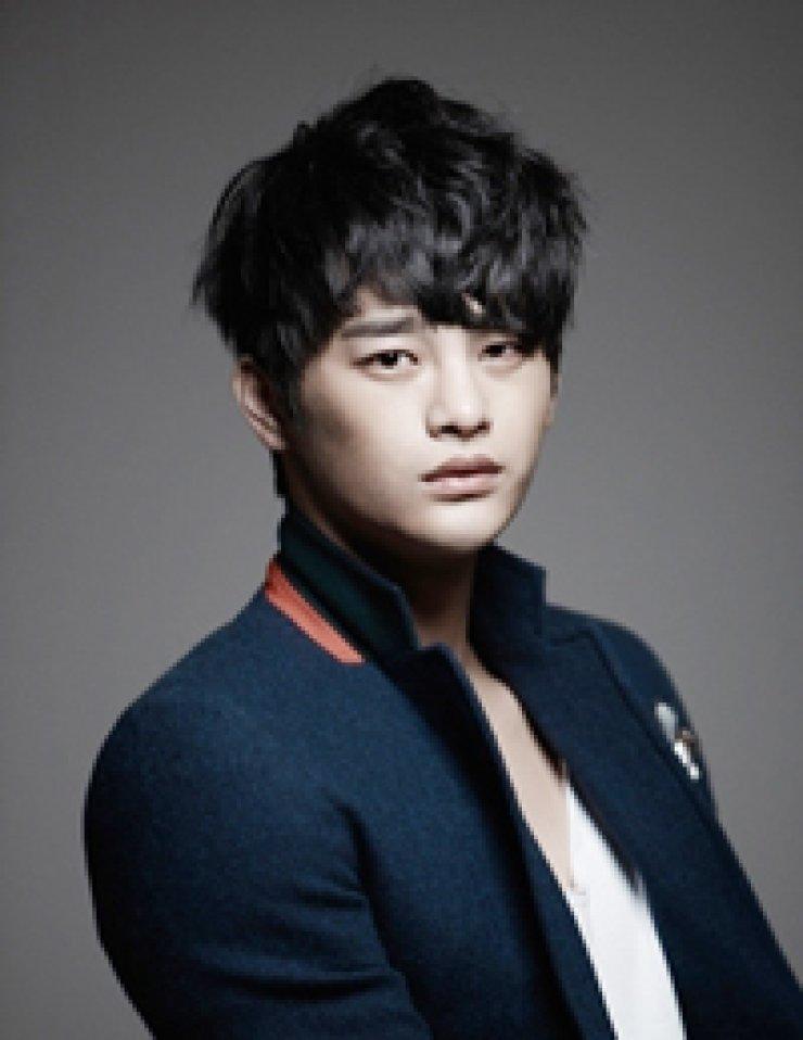 Singer/actor Seo In-guk