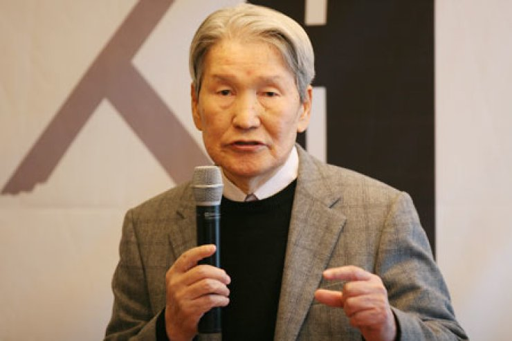Park Maeng-ho, founder and president of Minumsa, has released his autobiography 'The Book' summing up his 46-year career in the publishing industry.                                                                                     / Courtesy of Minumsa