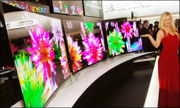 LG Display is predicting future televisions will be defined by curved organic light-emitting diode displays. / AP-Yonhap