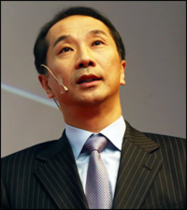 KT Media Hub CEO Kim Ju-seong speaks during a press conference at the firm's building in Gwanghwamun, Seoul, Thursday.