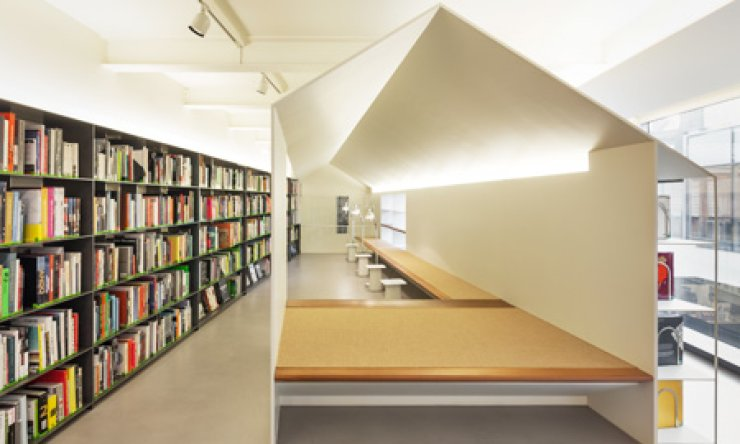 Hyundai Card, known for its innovative management, opened the world's largest design book library in Gahoe-dong, Jongno, central Seoul on Feb. 12.                                                                                                           / Courtesy of Hyunai