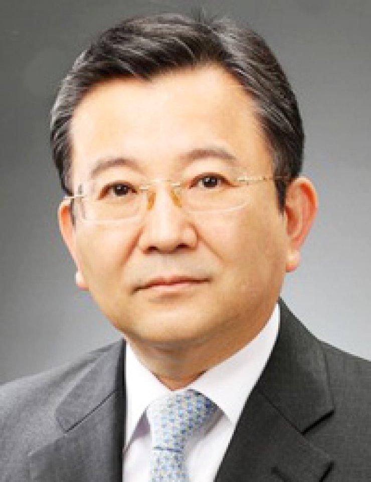 Kim Hak-euiFormer Vice Justice Minister