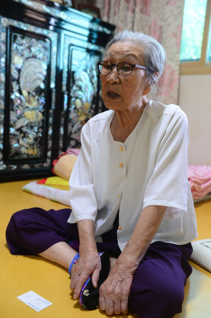 Kim Bok-dong, 90, who was drafted by Japan's Imperial Army during World War II, talks about the disappointment that she feels at the deal that the government reached with Japan last year over the former sex slaves. / Courtesy of Council for the Women Drafted for Military Sexual Slavery