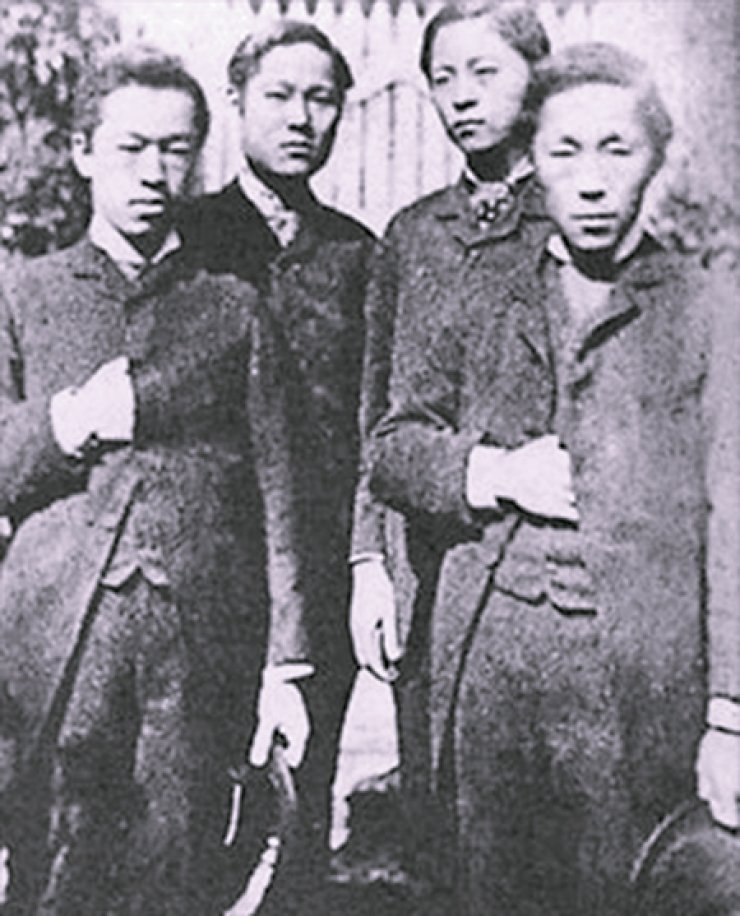 This undated photo shows four major players in the Gapsin Coup ofDecember 1884. They are, from left, Park Yeong-hyo, Seo Gwang-beom, Seo Jae-pil (Philip Jaisohn) and Kim Ok-gyun. They staged the coup to bring revolutionary change to the Joseon Kingdom, but they were deposed after three days in power. / Korea Times file