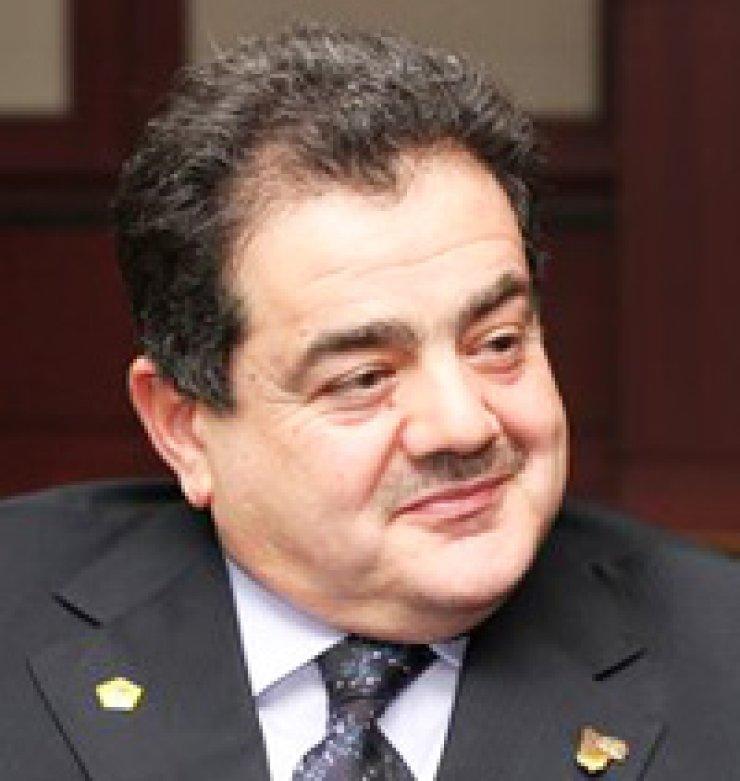 Khalil Al-MosawiIraqi Ambassador