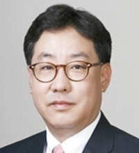 POSCO CEO Kwon Oh-joonKim Jin-il, president of POSCO ChemtechLee Young-hoon, vice-president of POSCO EngineeringYoon Dong-joon, POSCO executive vice-president
