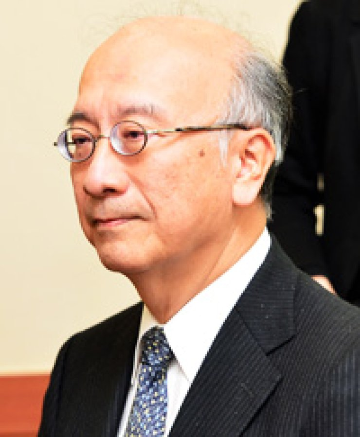 The foreign ministry called in Japanese Ambassador to Korea Koro Bessho, Friday, to protest his government's decision adopt more claims on Dokdo, in school textbooks. / Yonhap