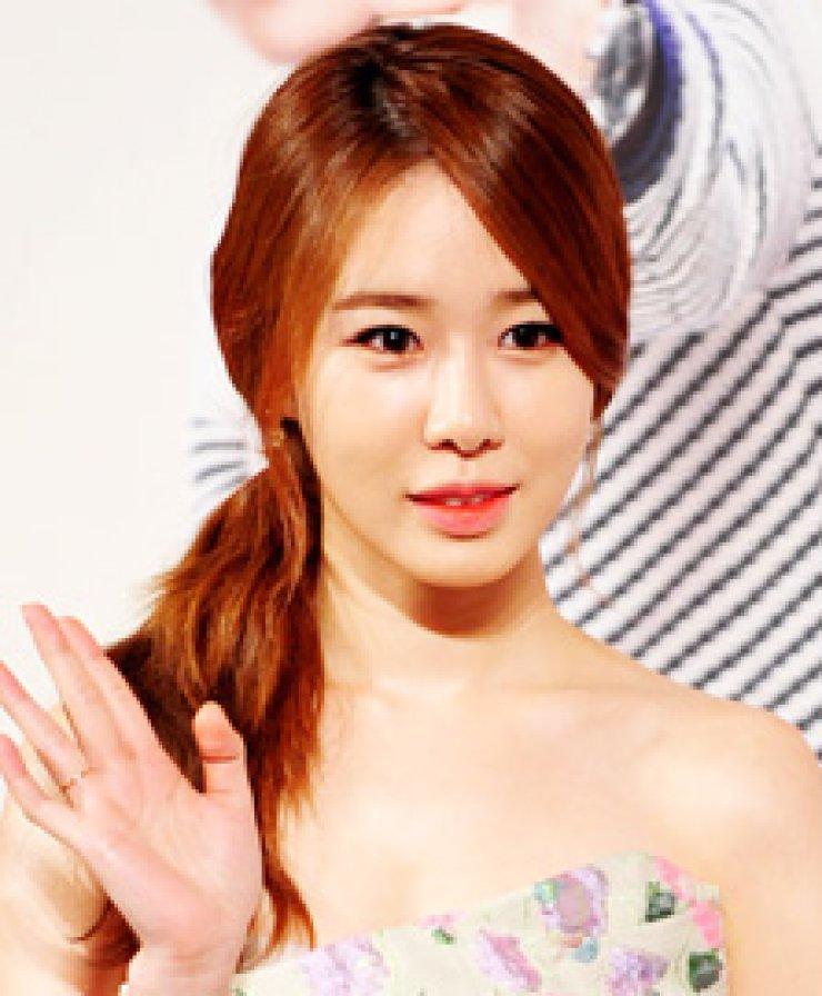 Yoo In-naJi Hyun-woo