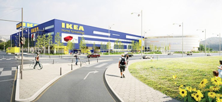 The photo above shows an artist's impression of IKEA Gwangmyeong store that will be built later this year. In the photo below, two fathers and their children pose while attending the 'Dad & Me' event held last week./ Courtesy of IKEA Korea