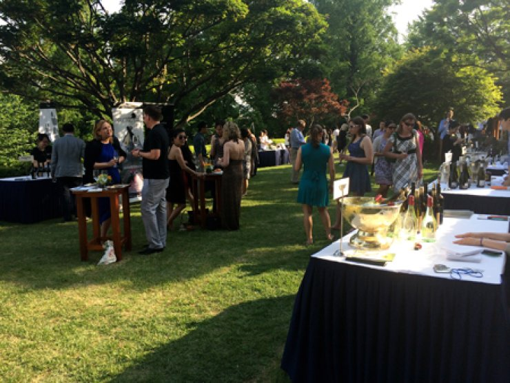 Guests participate in the 2014 New Zealand Wine Festival at the Grand Hyatt Seoul. / Photo by John Redmond