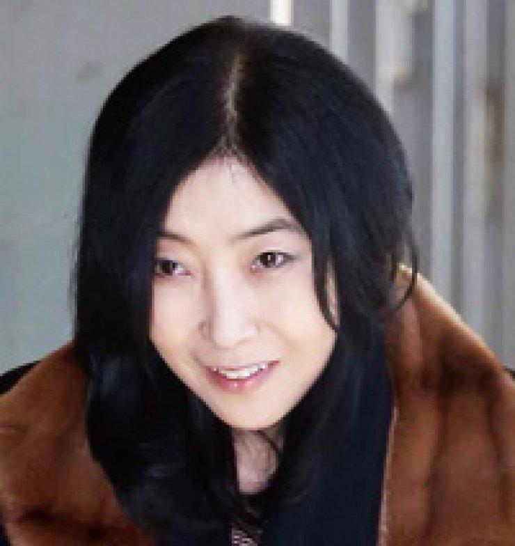Shin Eun-mi