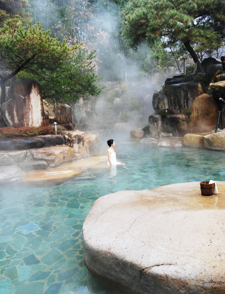 Top hot springs to visit in winter | JOINUS WORLD