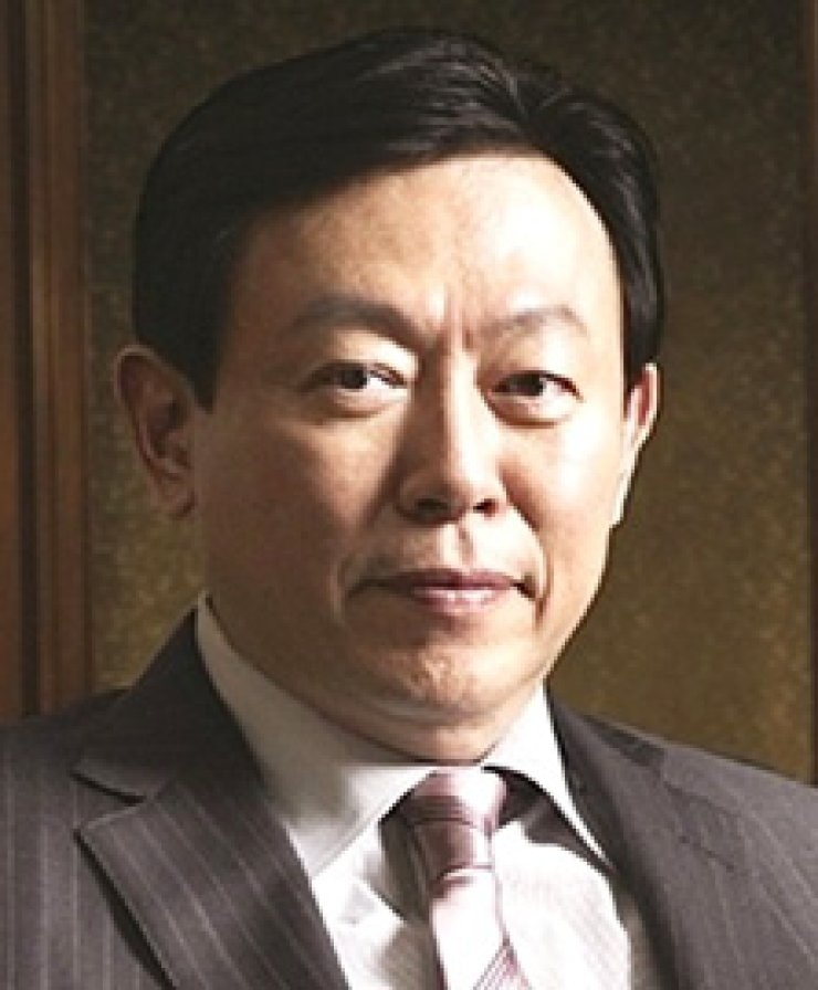 Shin Dong-binLotte chairmanShin Dong-jooEx-Lotte Japan chief
