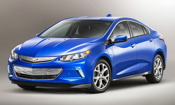 General Motors' second-generation Volt, an extended range electric vehicle, will be launched here next year. The Volt can run up to 676 kilometers combined with a single charge and full gas tank. / Yonhap