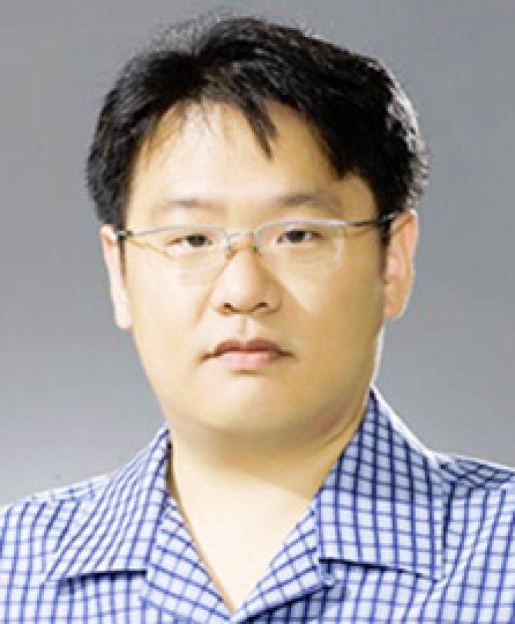 Prof. Kim Jang-wooProf. Lee Ji-seok