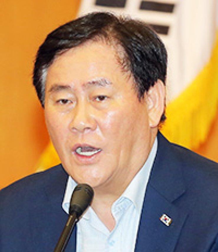Choi Kyung-hwanFinance Minister