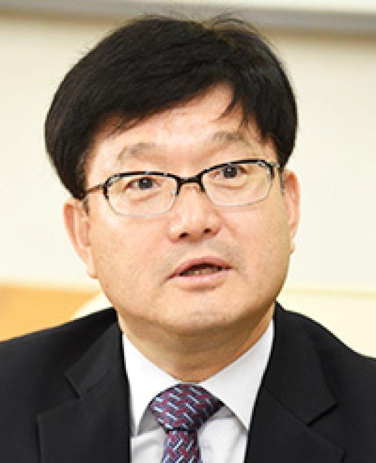 Shin Won-sopKFS minister