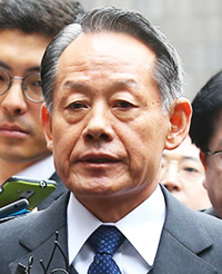 Choi Yoon-hee, former chairman of the Joint Chiefs of Staff