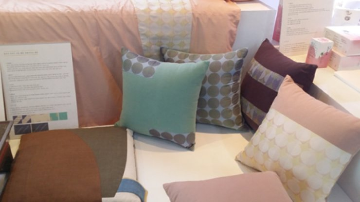 Cushions covered with traditional Korean paper 'hanji' / Courtesy of Hanji Cultural Festival