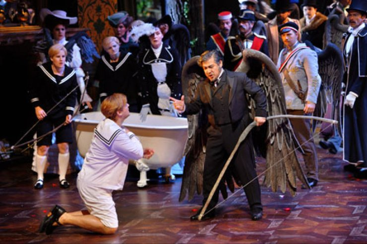 Youn Kwang-chul sings during a 2009 production of 'Parsifal' at the Bayreuth Festival, a shirne to Wagner. /Courtesy of Bayreuth Festival