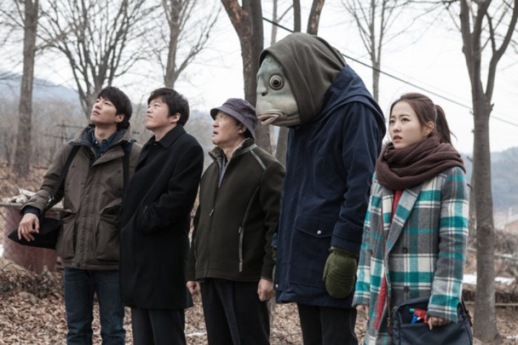 From left, actors Lee Chun-hee, Kim Hee-won, Jang Gwang, Lee Kwang-soo, who develops the upper half of a fish, and actress Park Bo-young in a scene from the film 'Collective Invention' / Courtesy of Filament Pictures