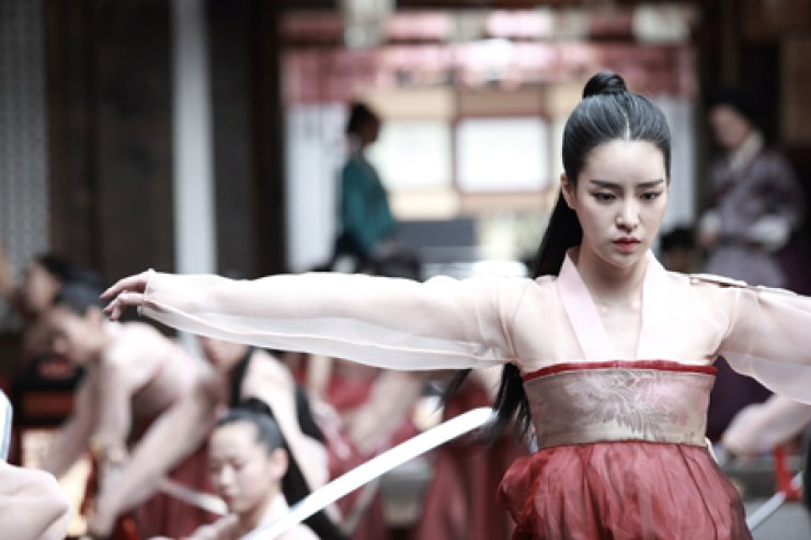 Actress Lim Ji-yeon plays the role of a court lady who serves 'Yeonsangun,' the most atrocious tyrant in the history of the Joseon Kingdom (1392-1910) period in an upcoming film 'The Treacherous.' / Courtesy of Lotte Entertainment