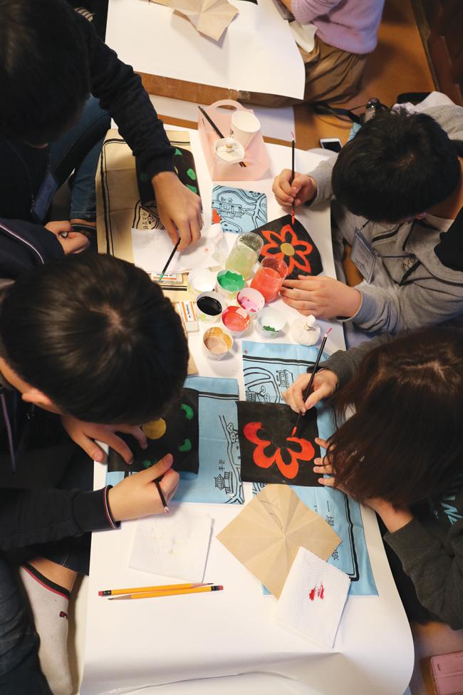 Master carpenter Lee Gwang-bok will demonstrate woodworking skills for hanok at the Seoul Hanok Expo.