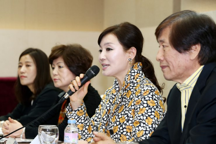 Park Ki-hyun, president of the Korea Opera Group, speaks during a press conference Thursday. / Yonhap