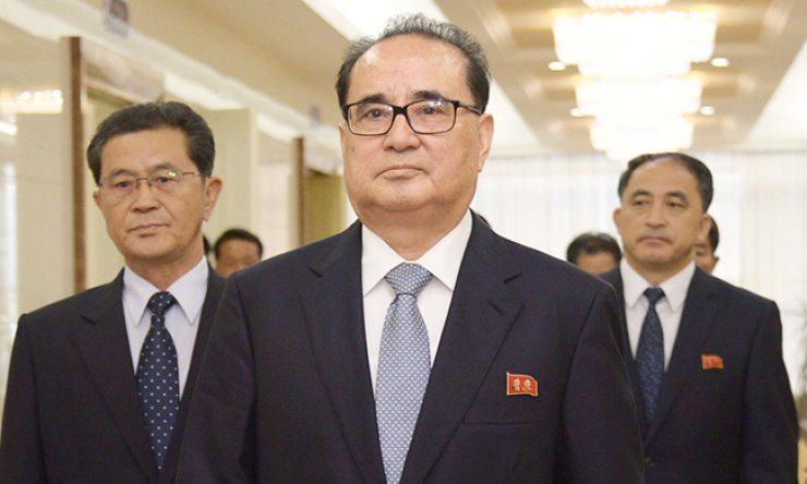 Ri Su-yong, vice chairman of the North Korean ruling party's Central Committee, arrives at Pyongyang International Airport before departing for Beijing, Tuesday. / Yonhap