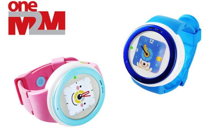 LG Uplus's 'Juniber Toki' watch, the result of collaboration with KDDI of Japan, is the industry's first to adopt the oneM2M Internet of Things platform. Toki allows a child to send and receive phone calls and texts./ Courtesy of LG Uplus